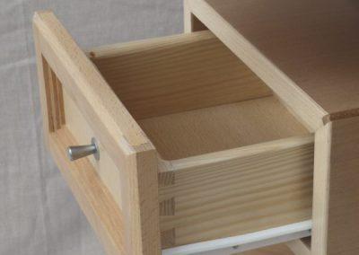 Cajón de madera maciza