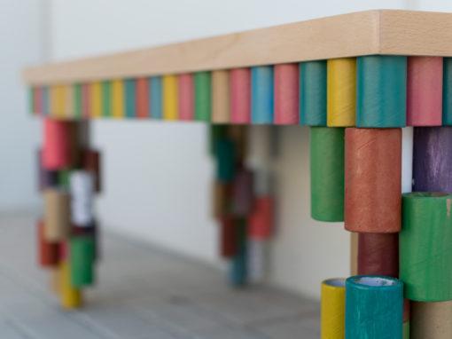 mesa de tubos de cartón