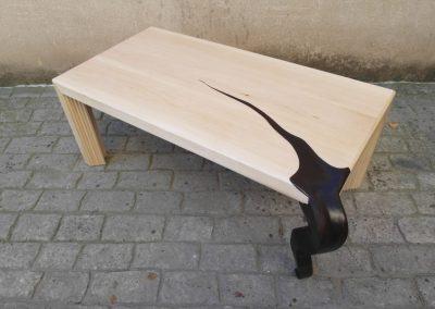 Mesa de pata negra